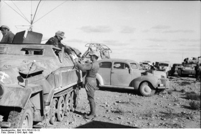 Nordafrika, Schützenpanzer mit Sender