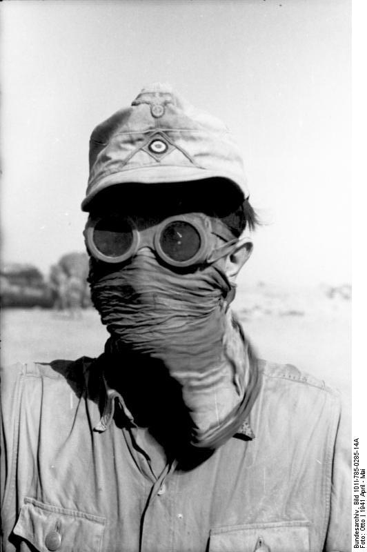 Nordafrika, Soldat mit Sandschutz