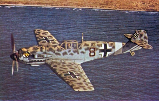 me_109e-4trop_jg27_off_north_african_coast_1941