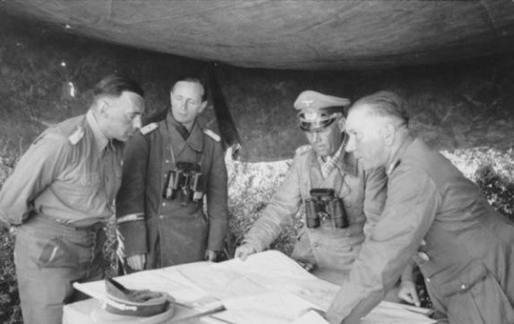 Bundesarchiv Bild 101I 784 0203 14A Nordafrika Bayerlein Rommel Nehring